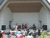 静岡県藤枝市蓮花寺池公園野外音楽堂イベントライブ